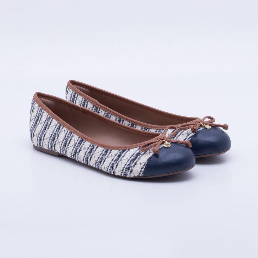 392fb8a13 Sapatos