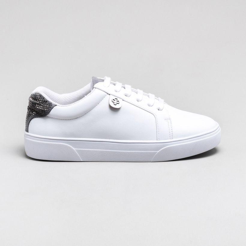 67251d8c42 Sapatos
